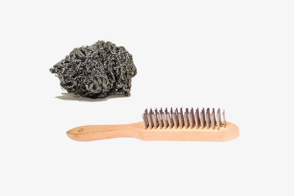 Wire brush and cleaning wire